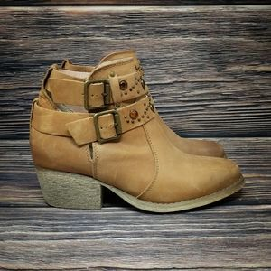 Betsey Johnson Willow Booties Western Boots 6.5
